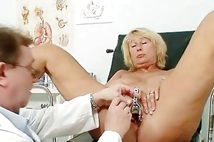 hawt breasty granny love melons and cookie gyno