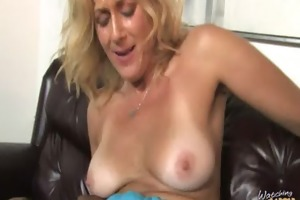 mommy shows us how to handle a bbc 5