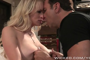 nasty - sexy d like to fuck stormy daniels t live