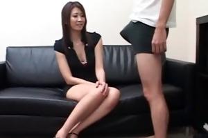 older japanese getting her fur pie fucked