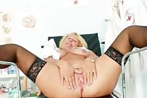 blond mother i greta large natural mambos and