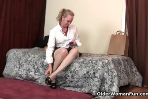 mommy can not expect to try her fresh sex toy