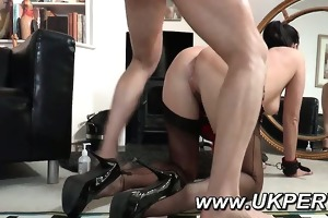 cougar receives her arse fingered and drilled