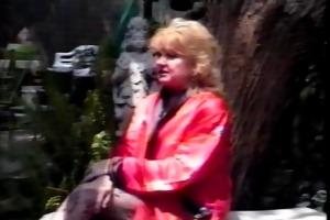 classic blonde granny r20
