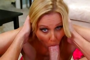 breasty d like to fuck bombshell julia ann