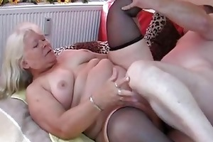 plump non-professional wife sucks and bonks on