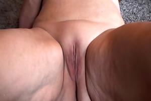 frau hat orgasmus