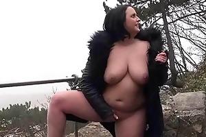 insane sarahs public nudity and hawt mum flashing