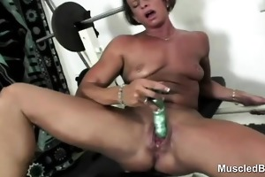 sports mother i sextoy copulates huge clitoris